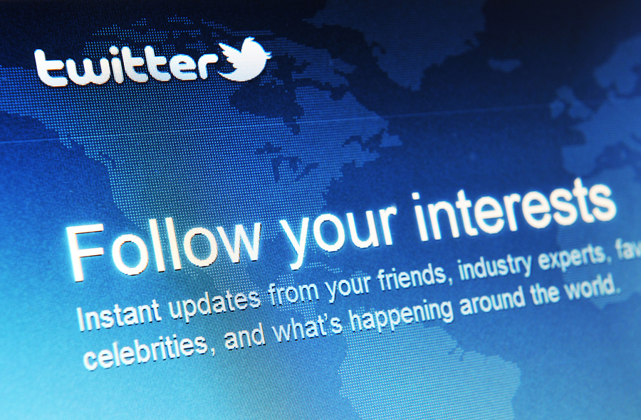 Follow Experts with Twitter Survival Tips